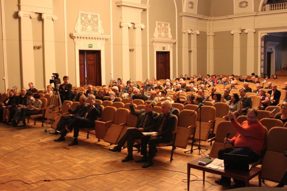 Коллектив ХНУРЭ полностью поддерживает законное решение МОН Украины о заключении контракта с профессором Валерием Семенцом