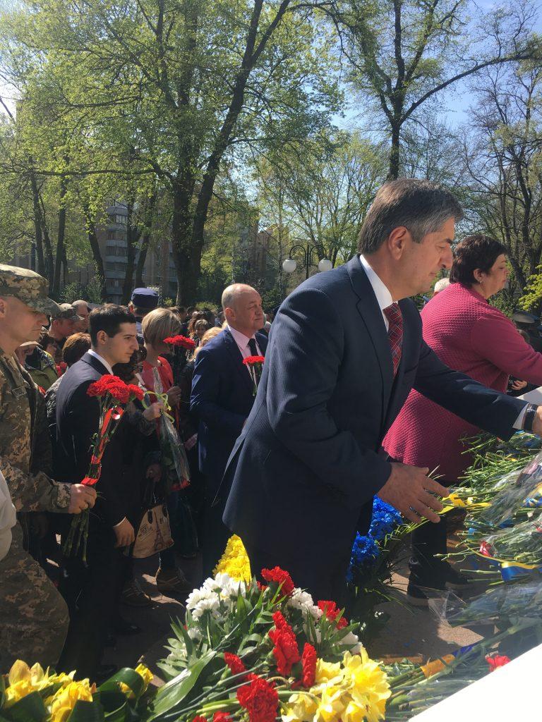 Администрация ХНУРЭ приняла участие в мероприятиях посвященных 32-й годовщине Чернобыльской катастрофы