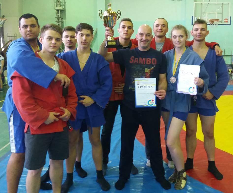 Самбисты ХНУРЭ завоевали серебро на региональных соревнованиях