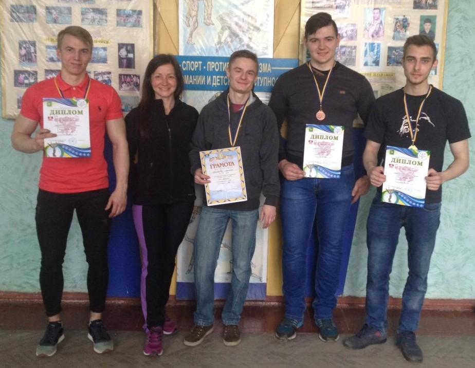 Спортсмены ХНУРЭ стали лучшими на чемпионате Харьковской области по жиму лежа