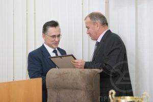 Валерий Семенец вручил награды ученым ХНУРЭ