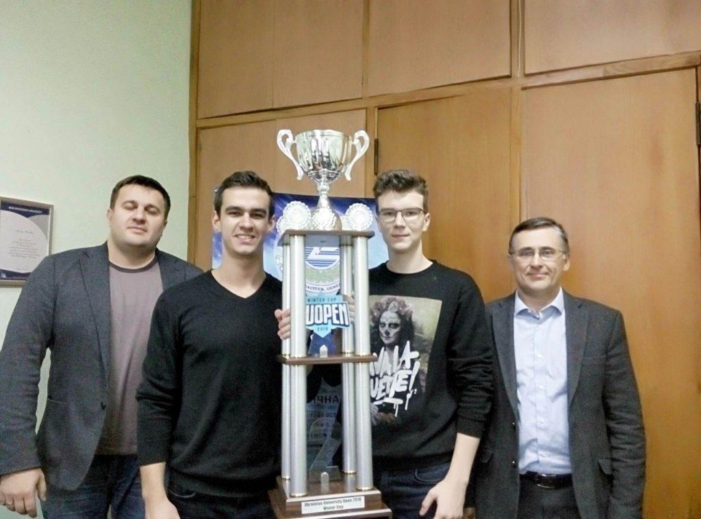 Команда студентов ХНУРЭ завоевала «серебряные» награды гранд-финала Украины по киберспорту