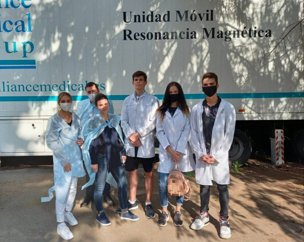 NURE students help doctors fight COVID-19