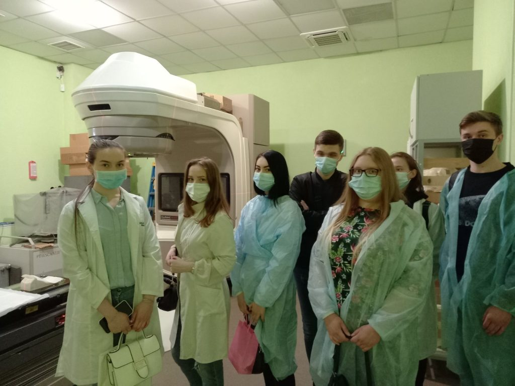 The practical training of students of the BME department in the field of radiation oncology continues