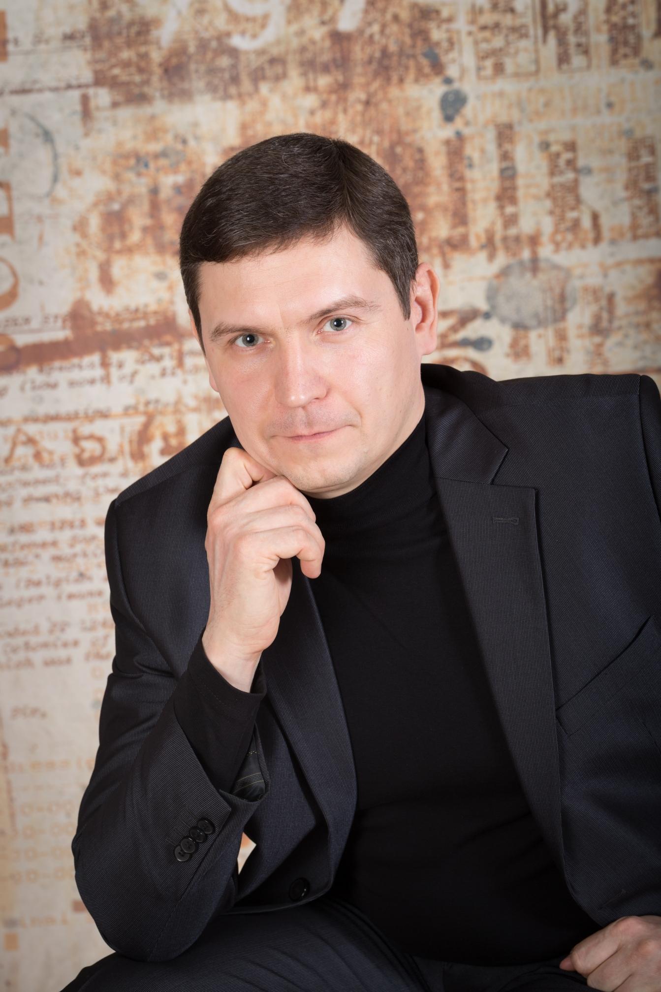 Роман Васильевич Олейников
