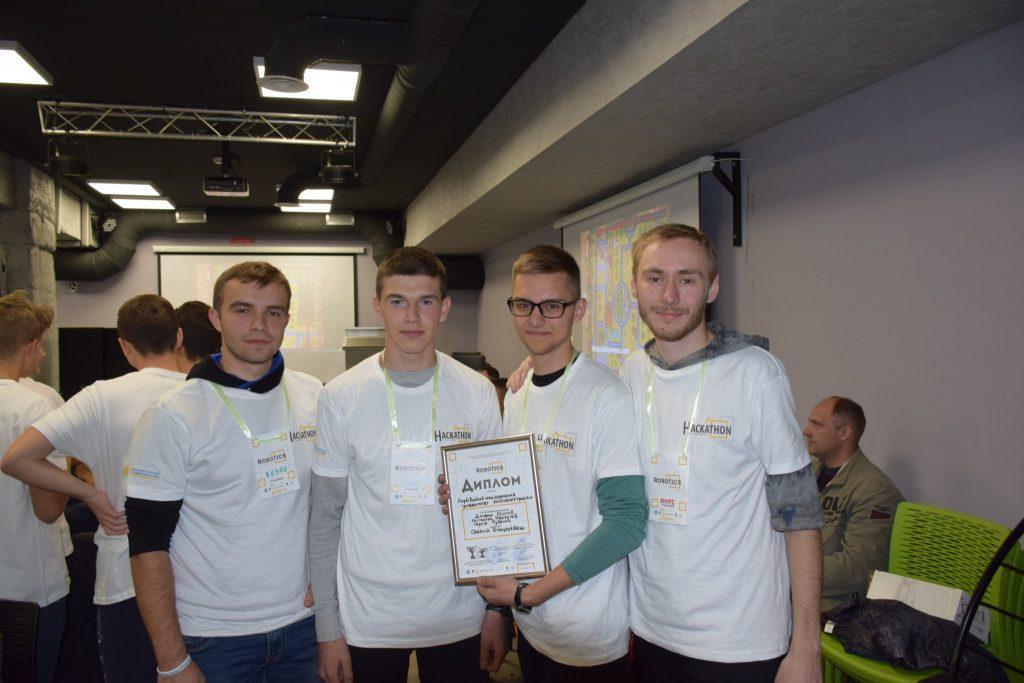 Студенты ХНУРЭ стали одними из лучших в соревнованиях по робототехнике