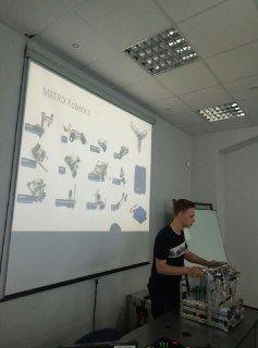 В ХНУРЭ сотрудники компании Matrix Robotics представили свои разработки
