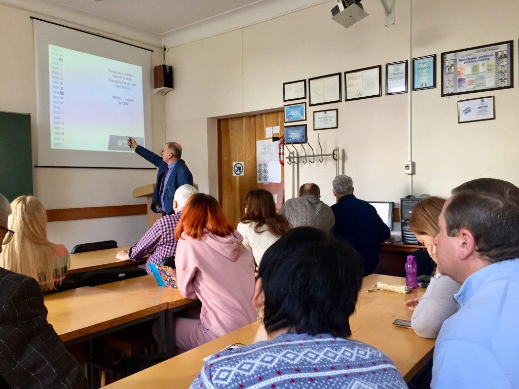 Валерий Семенец встретился с преподавателями кафедры системотехники ХНУРЭ