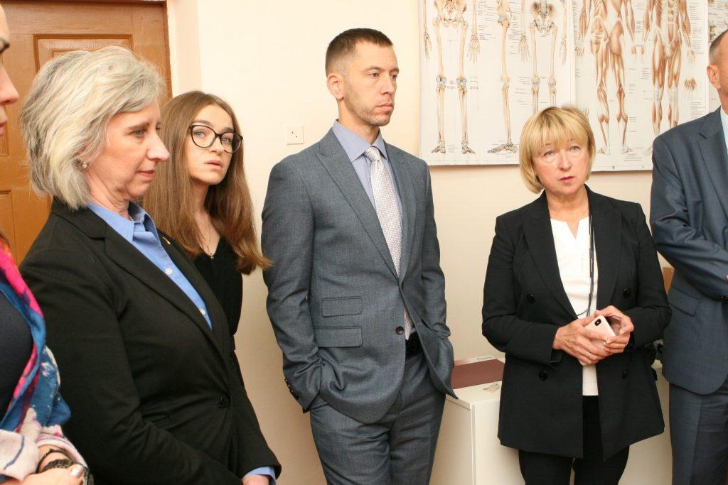 В НИИ протезирования состоялась рабочая встреча с представителями правительства США