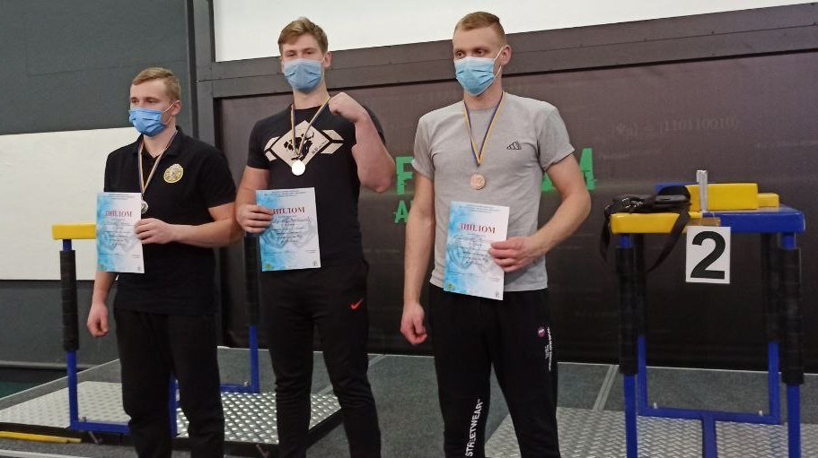 Спортсмен ХНУРЭ победитель чемпионата по армспорту