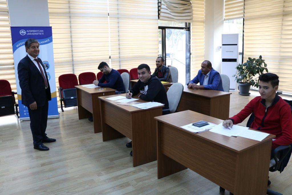 Мурад Омаров принял участие в работе комиссии по приему абитуриентов из Азербайджана