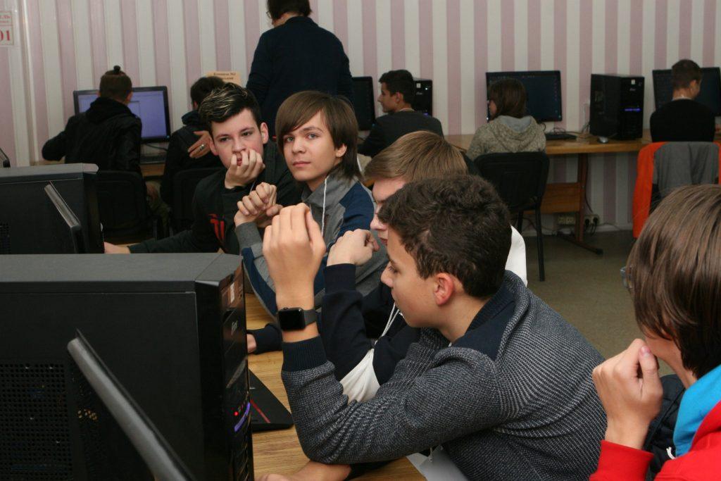 В ХНУРЭ проходит IV городской турнир юных информатиков