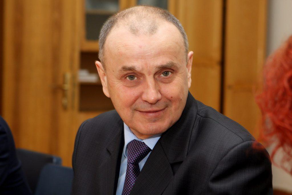Коллектив ХНУРЭ приветствует ректора, профессора Валерия Семенца с днем рождения