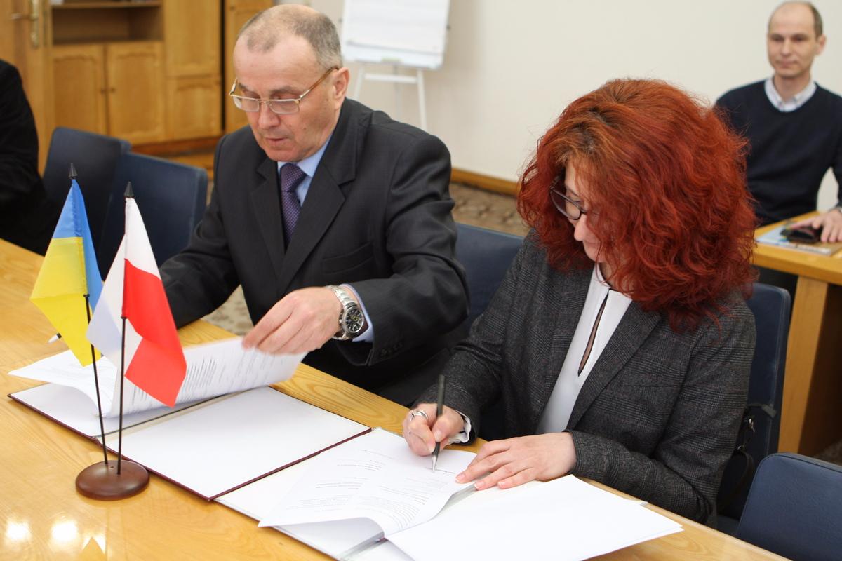 Нові можливості для студентів: ХНУРЕ підписав угоду з польським Університетом Економіки в Бидгощі