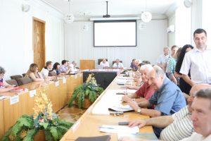 Валерий Семенец вручил награды студентам и ученым ХНУРЭ
