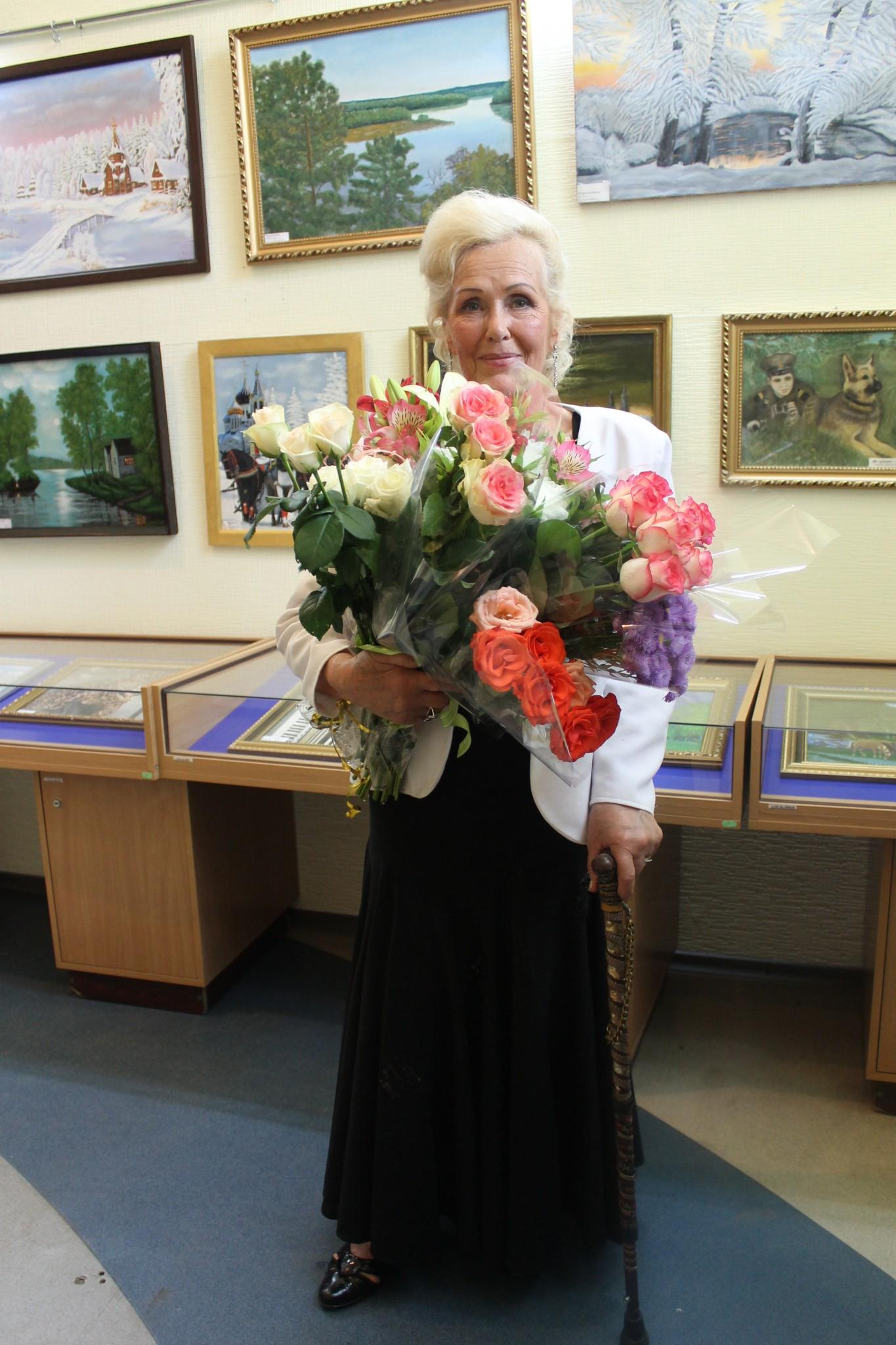 В ХНУРЭ открылась персональная художественная выставка Нины Дьяконовой