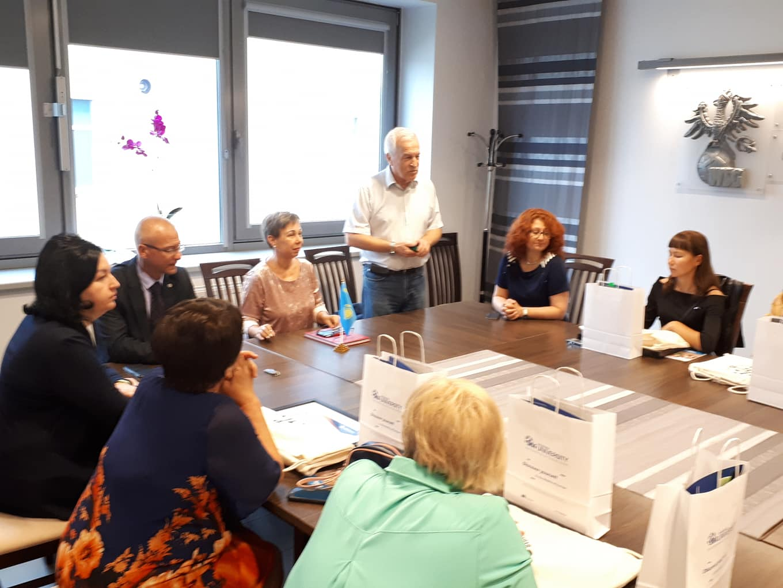 Делегація ХНУРЕ зустрілась з представниками закладів вищої освіти Казахстану у Польщі