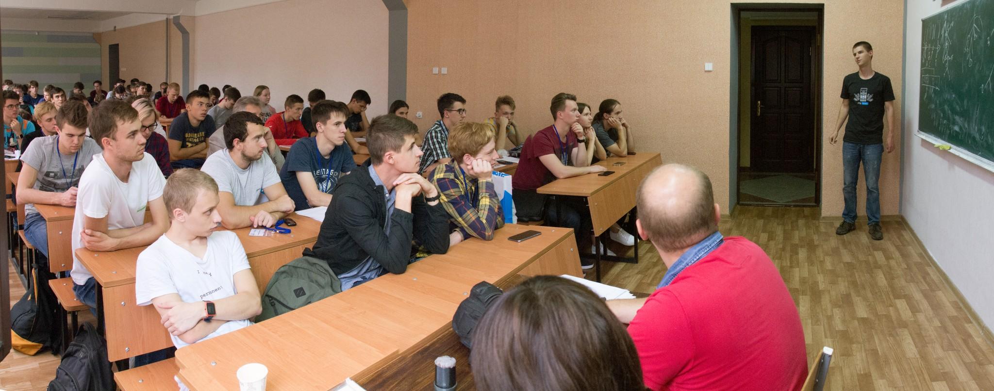 Тріумфальний виступ команд ХНУРЕ у півфіналі Всеукраїнської студентської олімпіади з програмування.