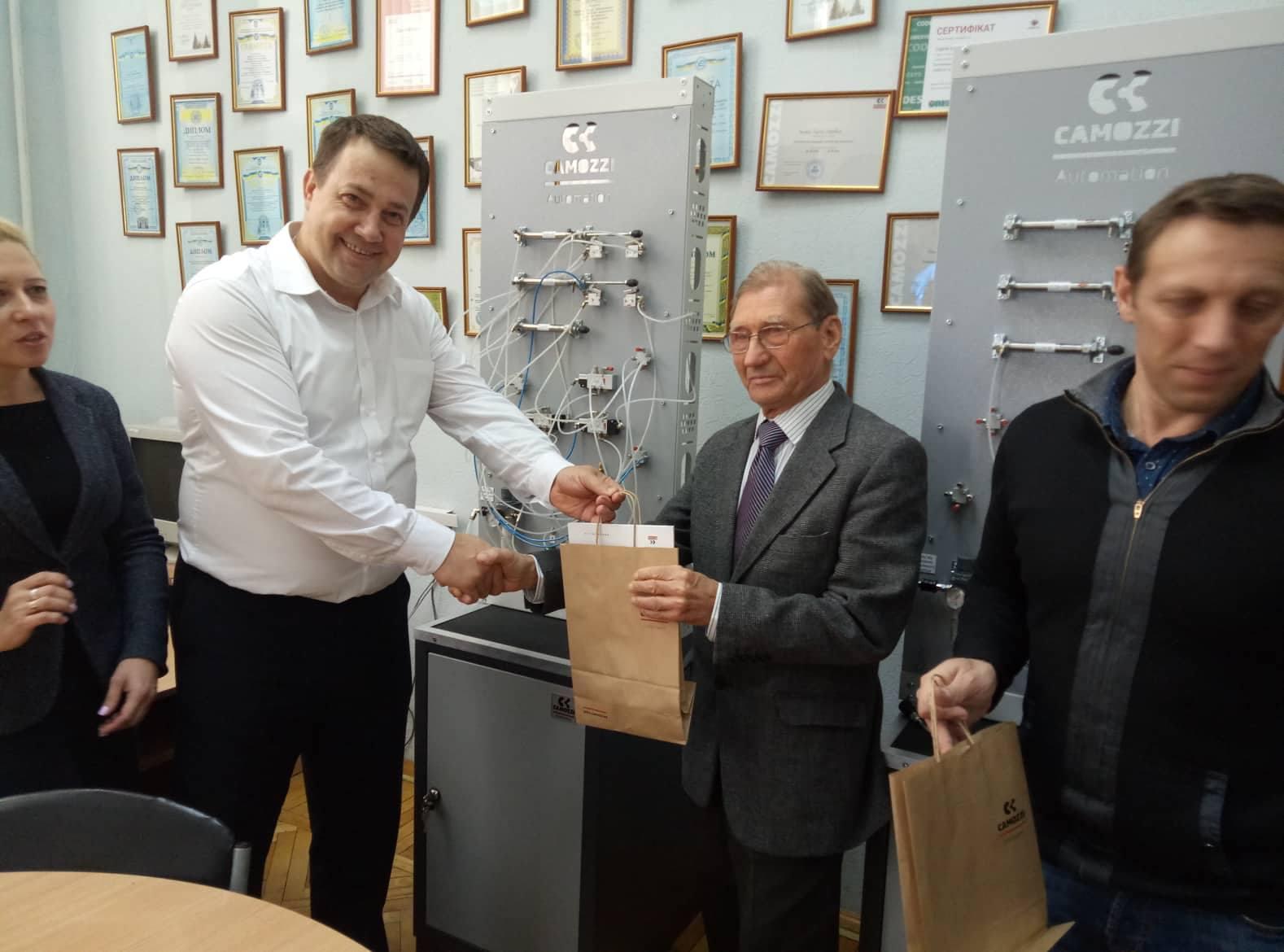 Кафедра КІТАМ отримала навчально-наукові комплекси
