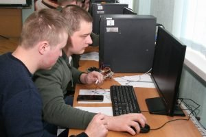 У ХНУРЕ пройшли змагання з програмування мобільних платформ BCOPT-2019
